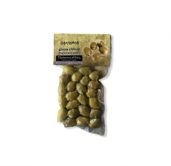 Grüne Oliven mit Knoblauch gefüllt